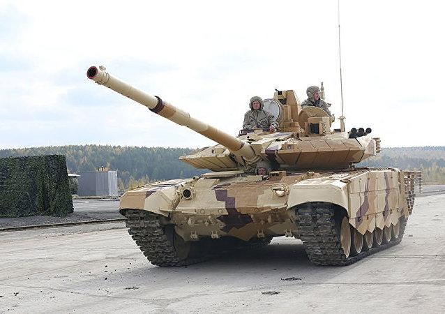 Un char de combat russe T-90