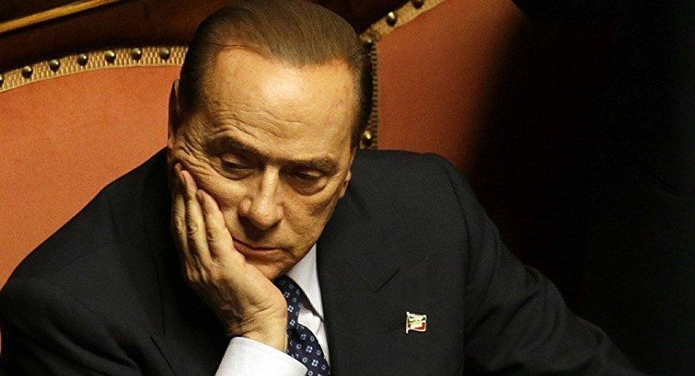 Berlusconi travaille à mi-temps dans une maison de retraite