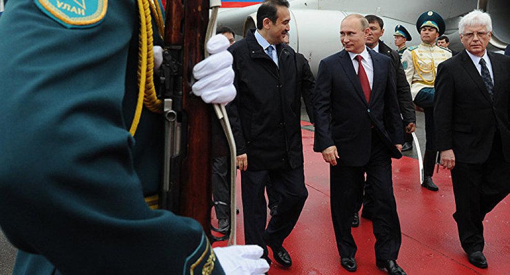 Poutine au Kazakhstan pour créer l'Union économique eurasiatique