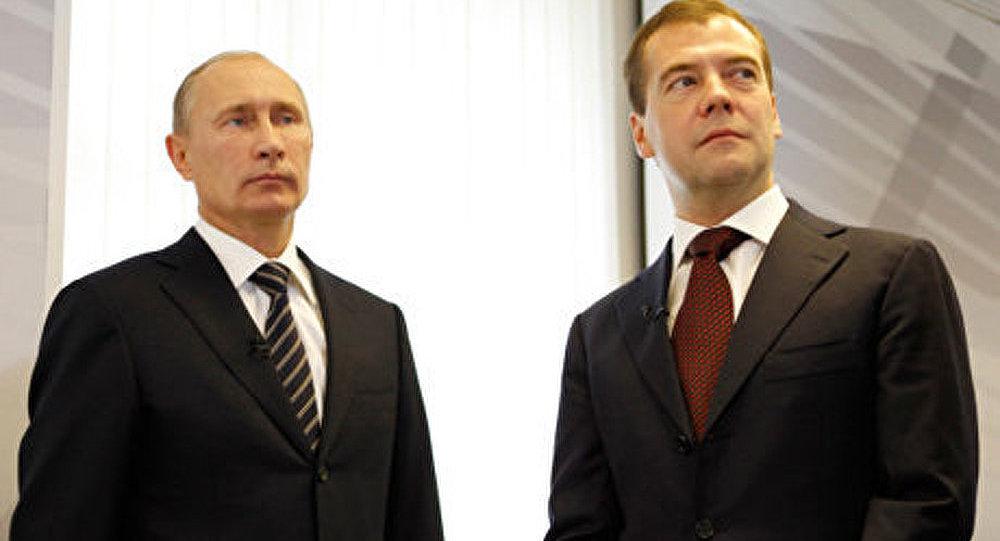 Russie : la cote de Poutine et Medvedev toujours en hausse (sondage)