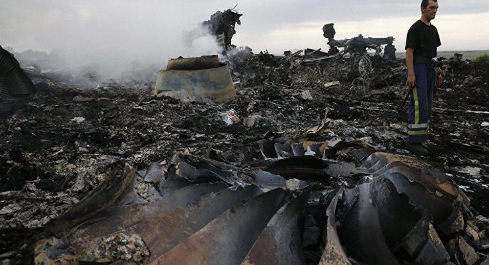 Crash du Boeing : l'enquête n'a pas commencé, mais les coupables sont déjà nommés