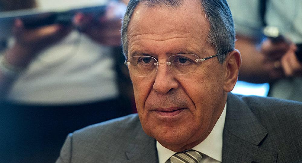 Lavrov : la Russie espère que les pourparlers à Minsk seront consacrés au cessez-le-feu