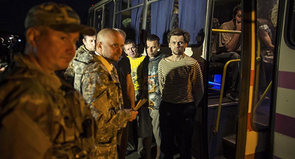 Donetsk : l'échange de prisonniers entre Kiev et les miliciens suspendu