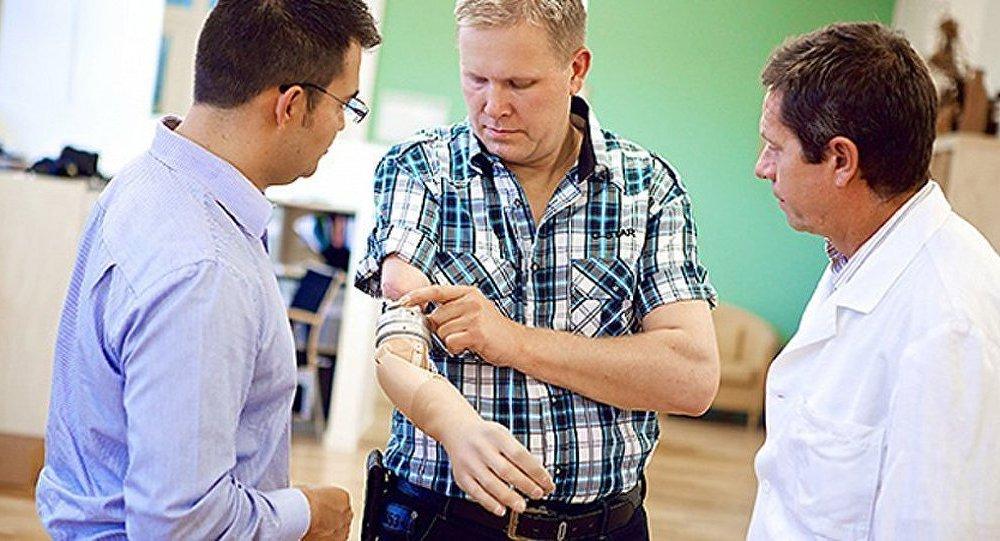 Une prothèse robotique pour remplacer le bras humain