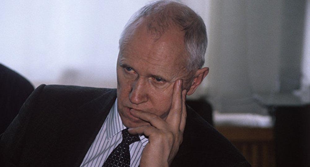 Evgueni Adamov
