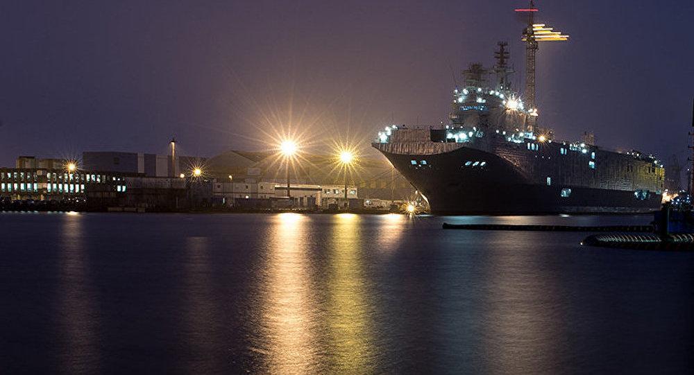 Mistral: navires ou argent, Moscou acceptera la décision de Paris