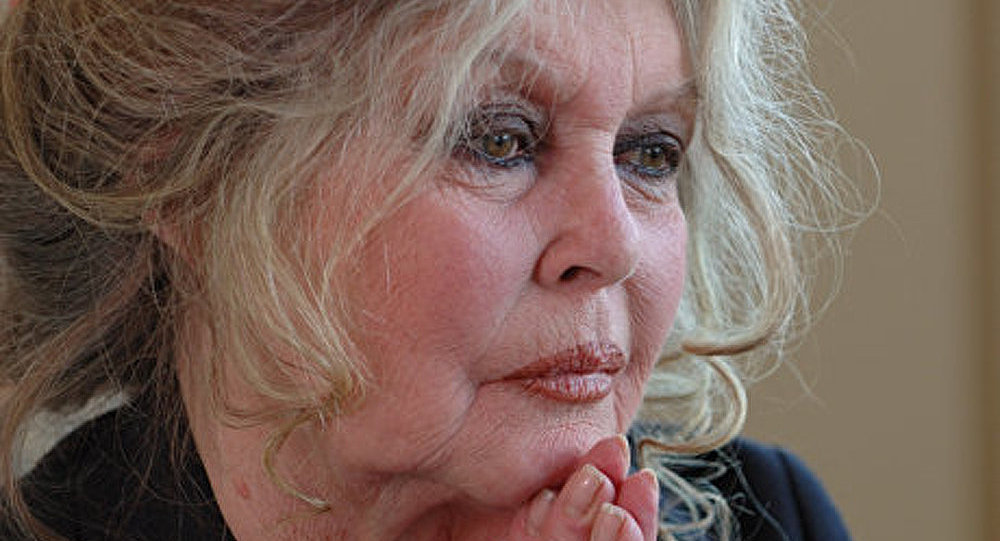Brigitte Bardot demande à l'UE d'interdire le gavage des oies et canards