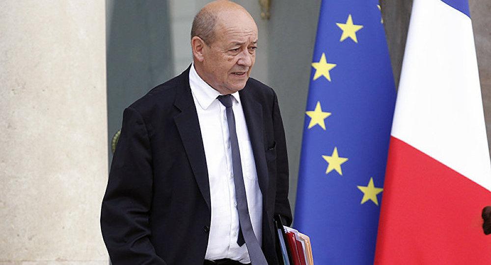 Le sud de la Libye est un hub terroriste, estime Jean-Yves Le Drian