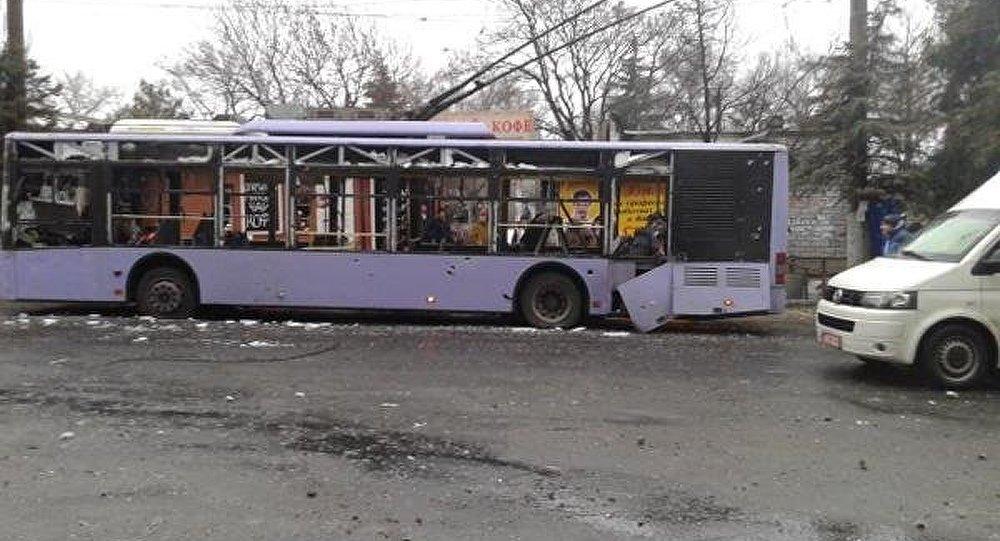 Donetsk : 13 tués par un tir d'obus sur un arrêt de trolley