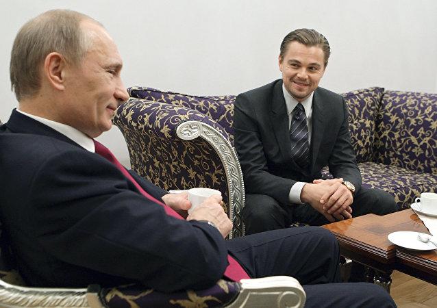 Vladimir Poutine rencontre Leonardo DiCaprio à Saint-Pétersbourg