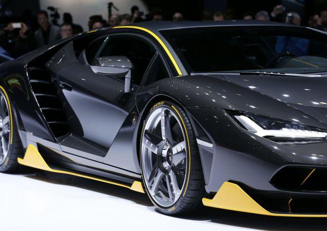 Une Lamborghini Centenario au Salon de Genève