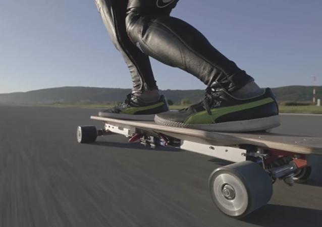 Le skateboardiste le plus rapide du monde