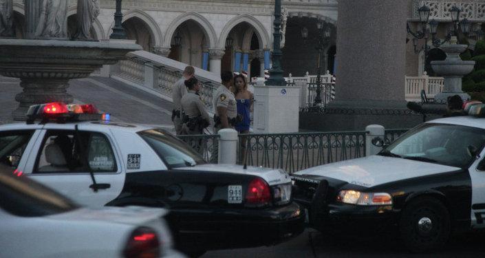 La police et une prostituée