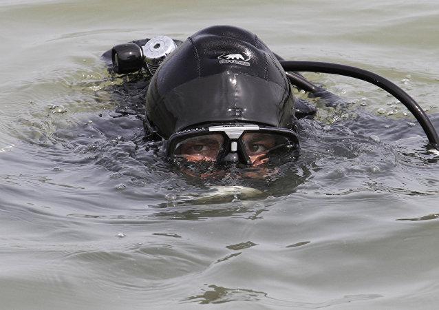 un plongeur
