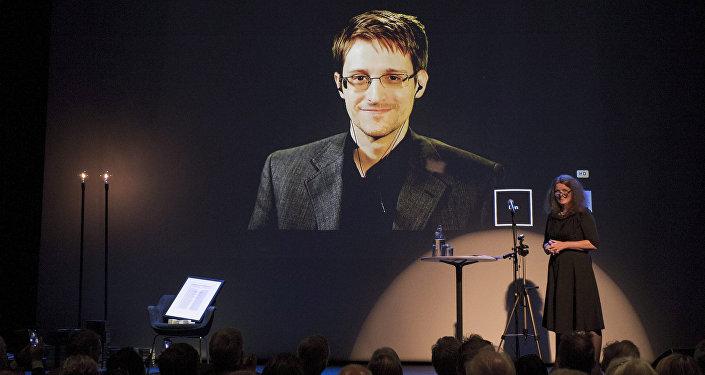 Edward Snowden reçoit le prix de Bjornson, Molde, Norvège, le 5 Septembre, 2015
