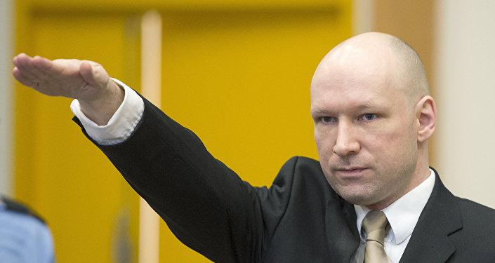 Norvège : Breivik fait le salut nazi à son arrivée au procès contre l'Etat
