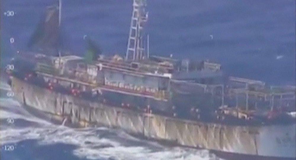 Les garde-côtes argentins coulent un navire de pêche chinois