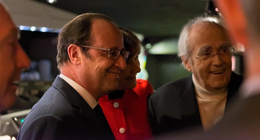 Quand les Russes aiment, même François Hollande vient voir