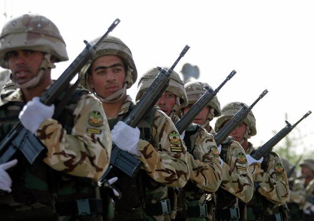 Militaires iraniens