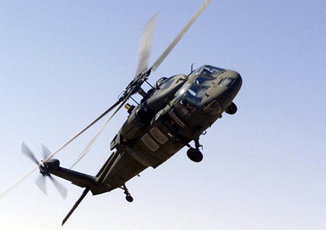 Un Américain arrache la dent de son fils à l'aide d'un… hélicoptère (vidéo)