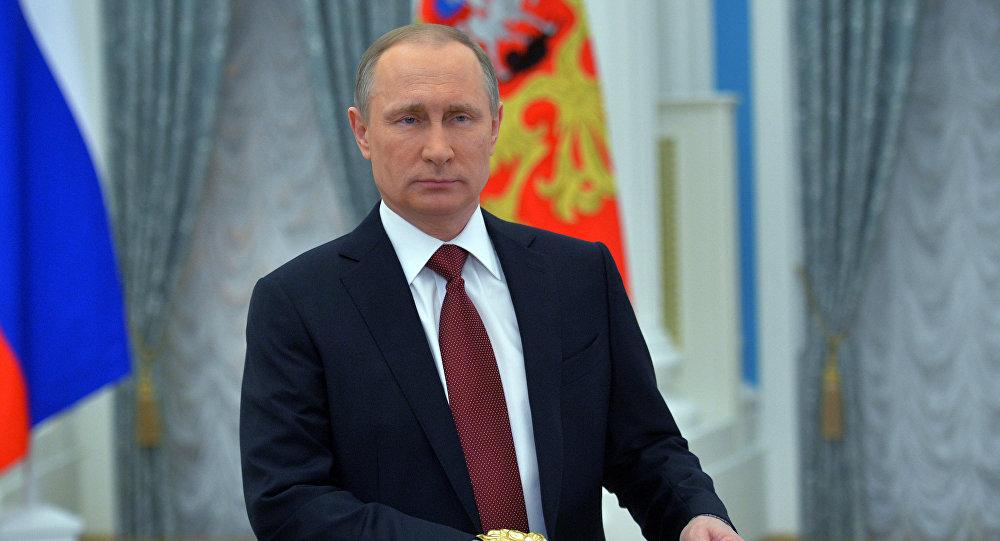 Panama Papers: toute la faute sur Poutine, les internautes enragent