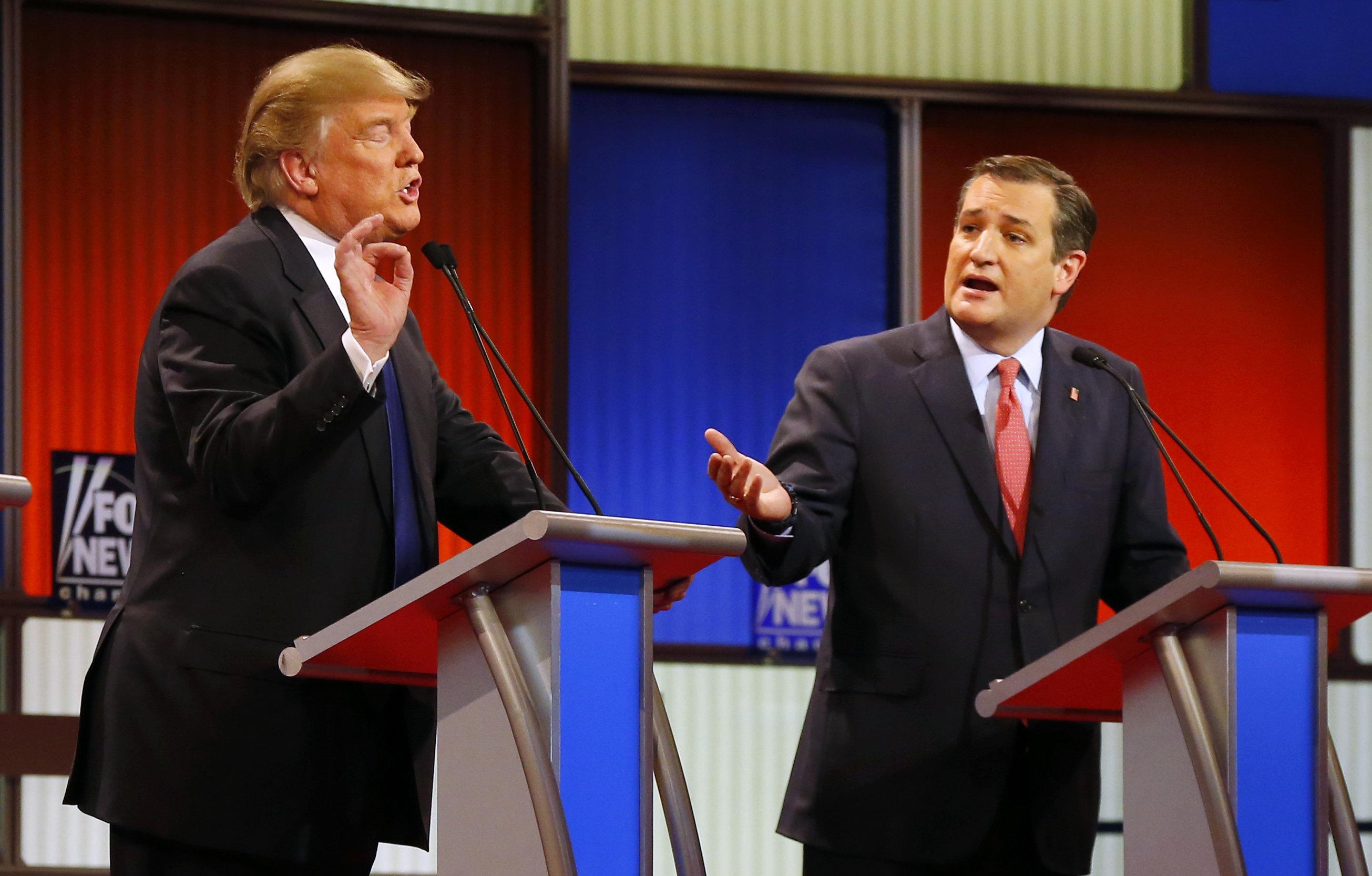 Les candidats républicains Donald Trump et Ted Cruz