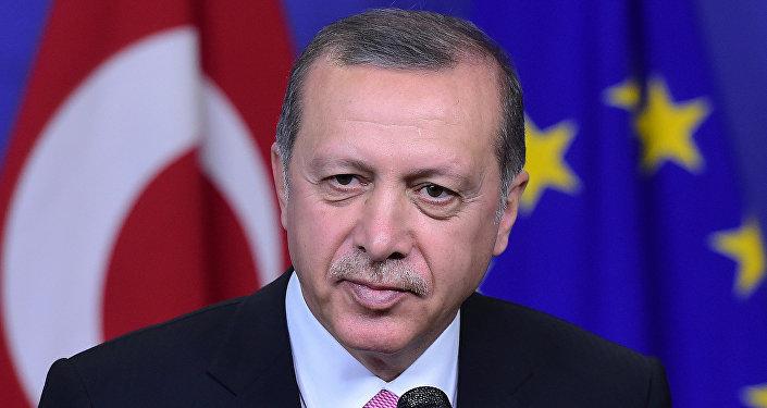 Plutôt que de condamner Erdogan à La Haye, Bruxelles l'accueille chaleureusement