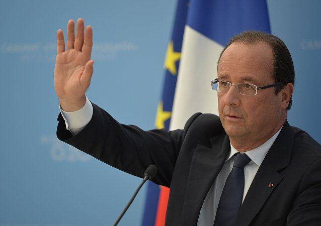 France's President Francois Hollande speaks during a press conference in Saint Petersburg on September 6, 2013 on the sideline of the G20 summit.