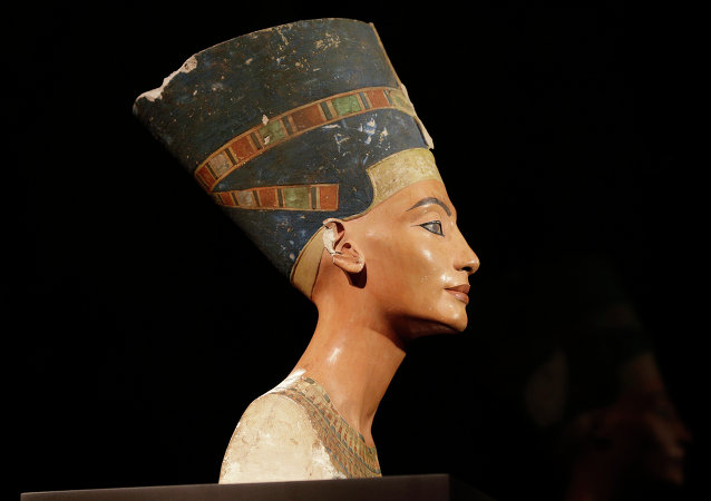Buste de Néfertiti