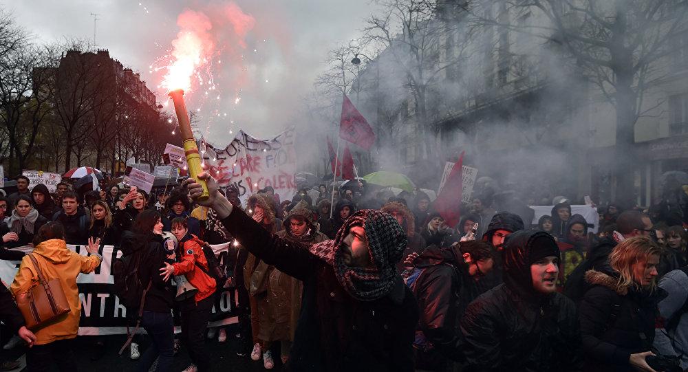 Manifestation contre la loi Travail à Paris, le 31 mars 2016