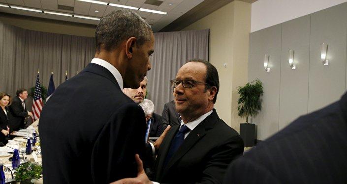 Obama et Hollande réaffirment leur détermination à lutter contre l'EI