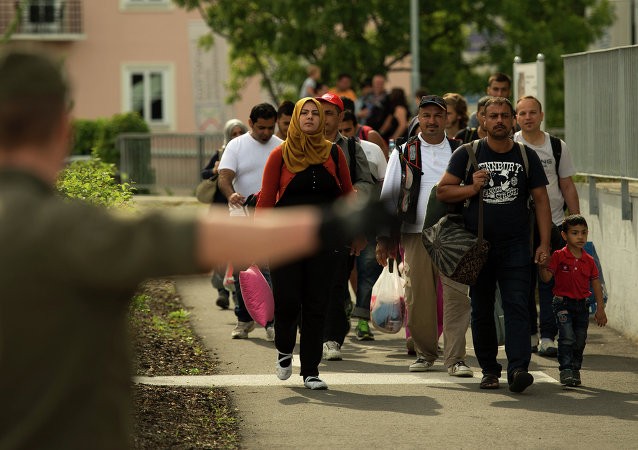 Les migrants qui traversent la frontière entre l'Autriche et la Slovénie