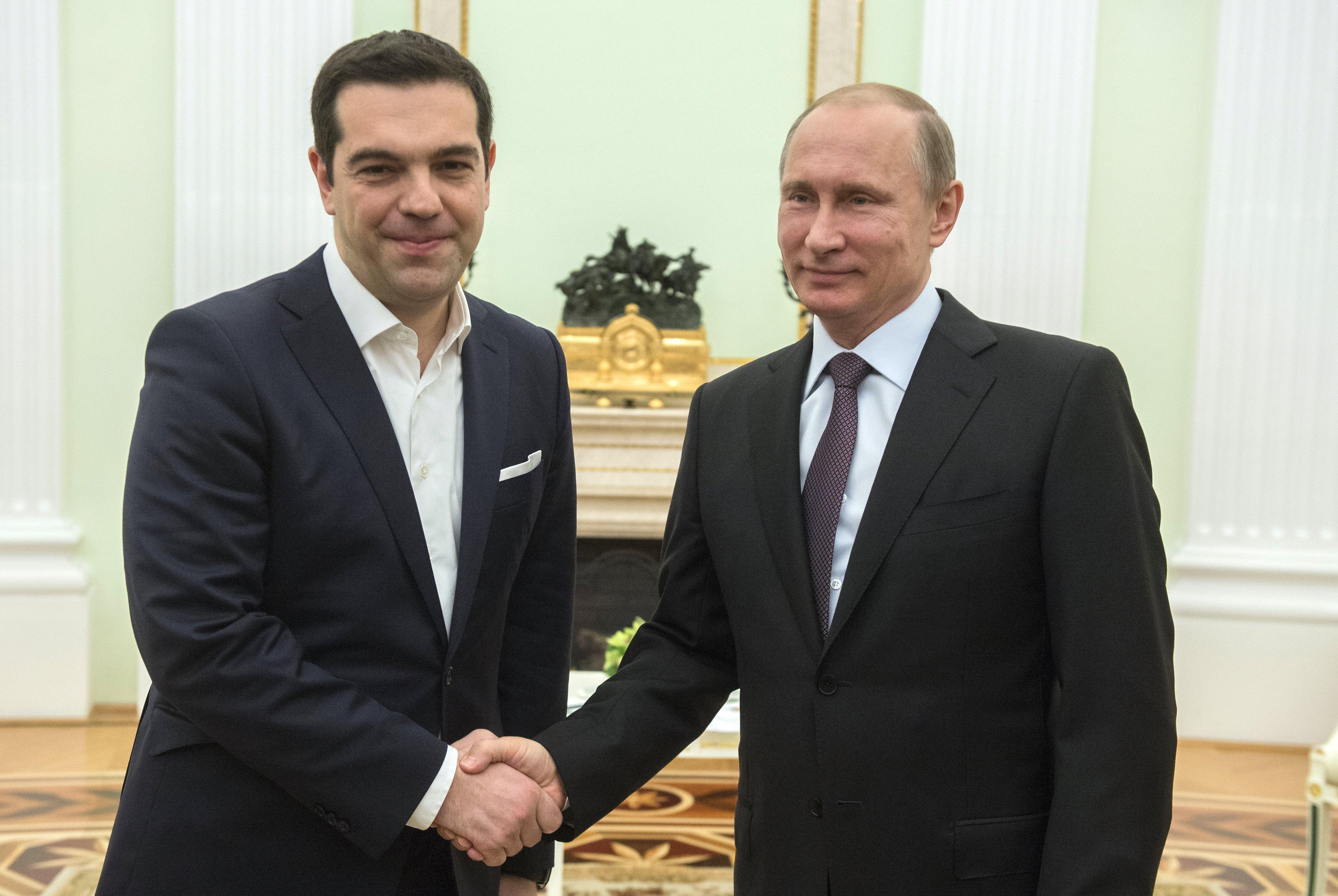 Le président russe Vladimir Poutineet le premier ministre grec Alexis Tsipras, avril 2015
