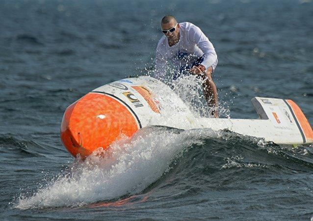 Traverser l'Atlantique en paddle sans assistance, le pari fou de Nicolas Jarossay