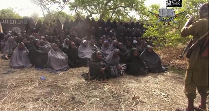 Trois ans après, 82 lycéennes nigérianes libérées par Boko Haram