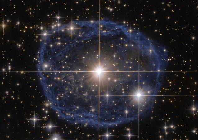 Les étoiles à neutrons sont-elles solitaires ?