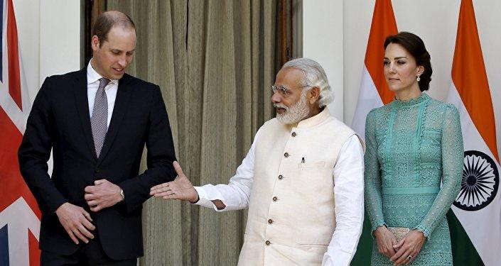 Quand le premier ministre indien a la poignée de main d'un superhéros