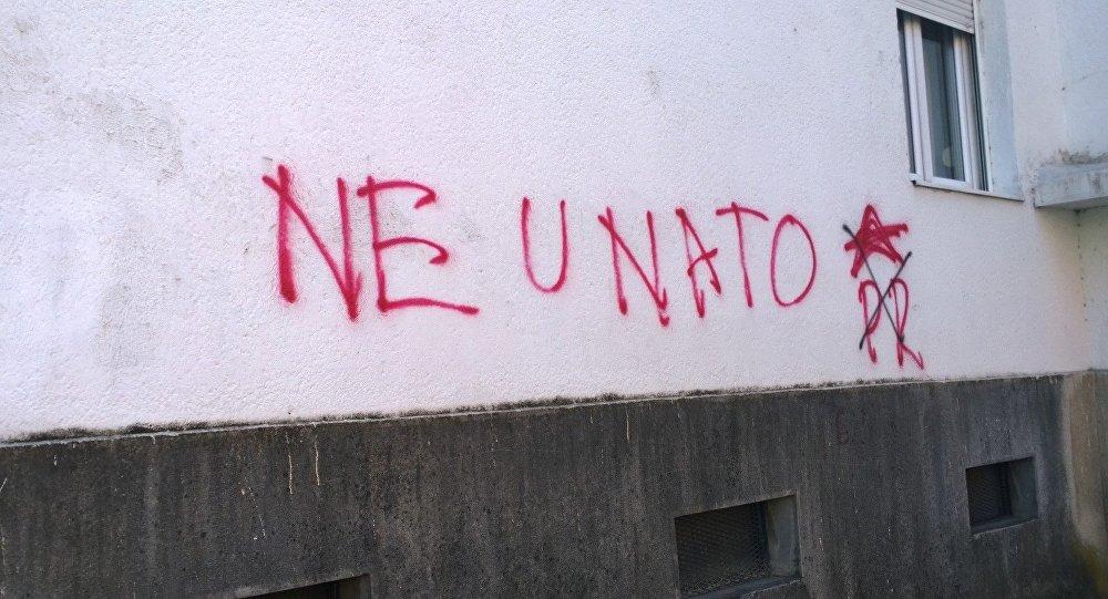 Le graffiti anti-OTAN au Monténégro