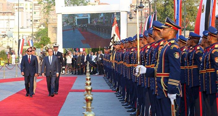 Arrivée de François Hollande et du président égyptien Al-Sissi au palais Qubba en Égypte