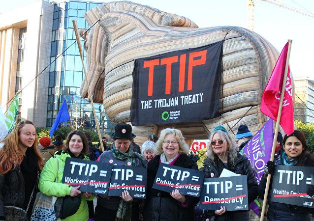 La France doit dire à l'UE qu'il faut arrêter la négociation du Tafta
