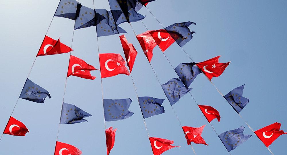 Couleurs de la Turquie et de l'UE