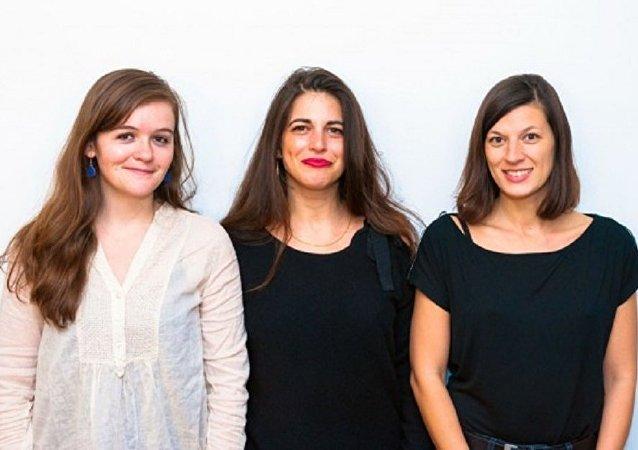 Judith Aquien, fondatrice de THOT, entouré de la vice-présidente Héloïse Nio (à gauche) et de la tresorière Jennifer Leblond (à droite)