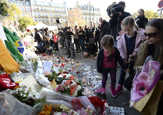 Hommage en mémoire des victimes des attentats de Paris