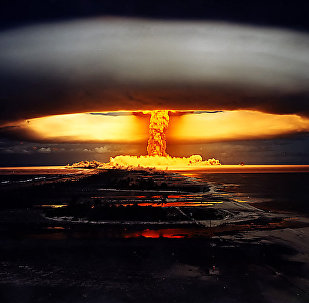 L'explosion d'une bombe nucléaire.