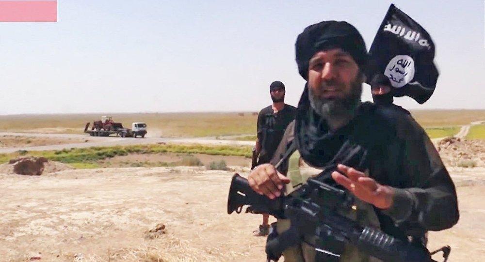 Un membre de Daech à la frontière syro-irakienne