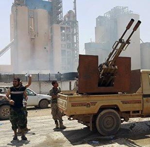 La Libye va recevoir des armes pour combattre Daech