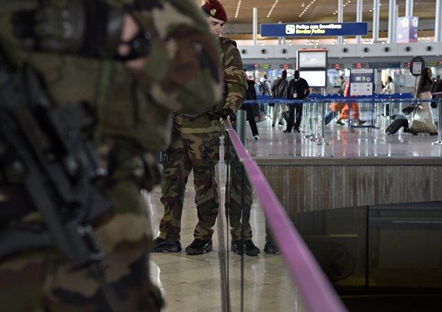 Vol EgyptAir: la sécurité dans les aéroports constamment renforcée ces dernières années