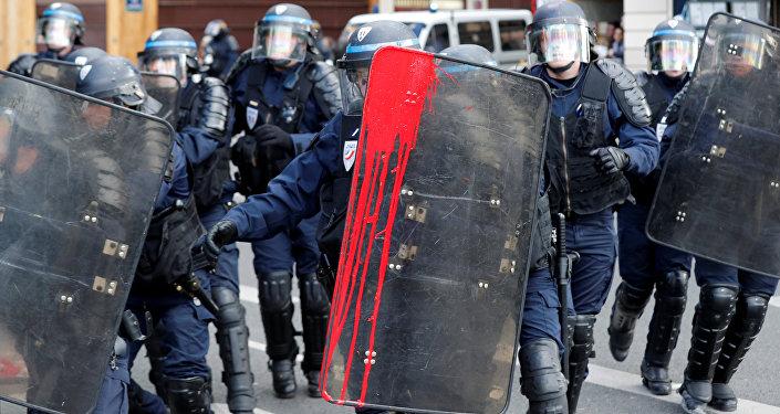 Une manifestation contre la Loi travail à Paris
