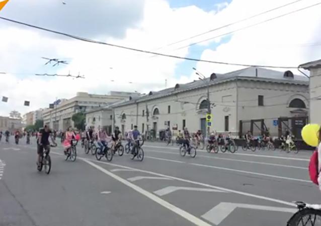 Tour de Moscou: la plus grande parade à vélo de Russie se tient dans la capitale russe