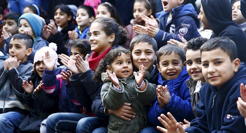 Danemark: Regroupement familial pour les 3 femmes et 20 enfants d'un migrant